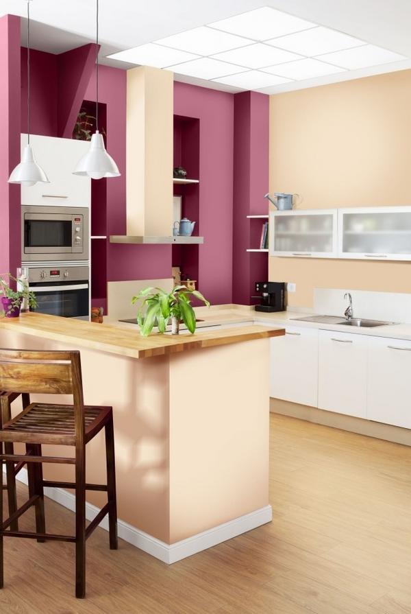 Màu tím mơ mộng và lãng mạn biến không gian bếp thành cổ tích.