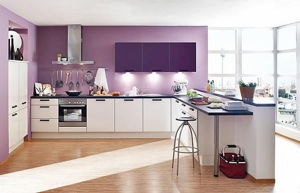 Bếp màu sơn  tím hoa oải hương tượng trưng cho sự bình yên và hòa thuận.